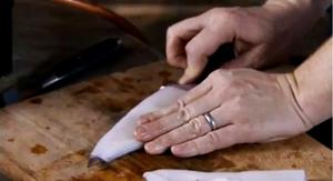 как нарезать кальмара