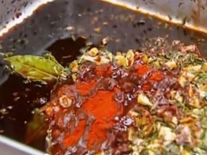 Добавить остальные ингредиенты для соуса