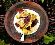 салат из сырой свеклы с яблоком
