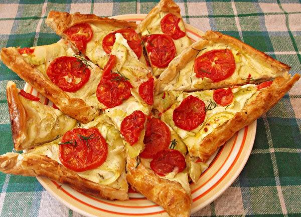 Пирог с помидорами и цукини