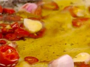 Как приготовить ароматное масло для маринования баклажан
