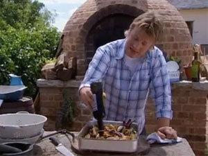 Добавить уксус к картофелю с луком