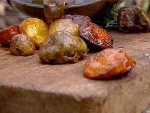 Картофель и колбаска для омлета