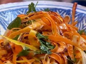 Салат из моркови готов