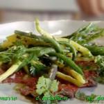 Карпаччо с салатом из фасоли