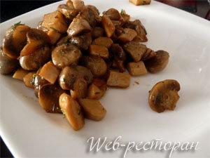 Готовые обжаренные грибы для брускетты