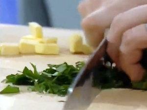 Масло и петрушка для пасты