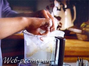 Песочное тесто можно приготовить в кухонном комбайне