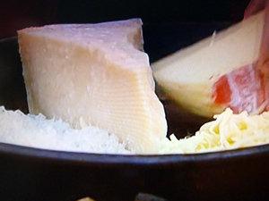 Сыр для супа с капустой и хлебом