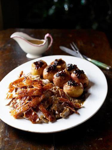 Рецепты к Новогоднему столу от Джейми! Свинина в духовке: молочный поросенок