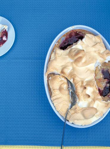 Рецепты к 8 Марта. Десерт из молока Королева сладостей