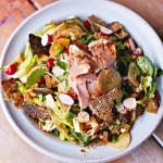 Салат с лососем на вьетнамский манер