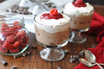Шоколадный мусс с компотом - вкусный десерт