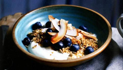 Полезный завтрак - гранола с кокосом