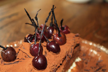 1 кусочек торта - 836 ккал