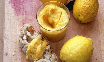 Лимонный курд с тостом