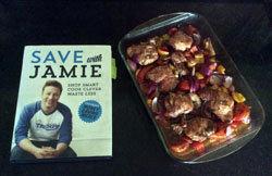 Джейми Оливер вместе со своей коллегой Kerryann Dunlop предлагают блюда недорогие и полезные