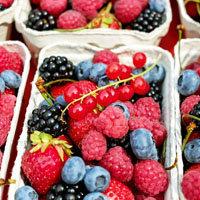 450 г разных ягод