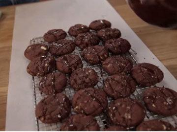 6. Шоколадное печенье рецепт с черным и белым шоколадом