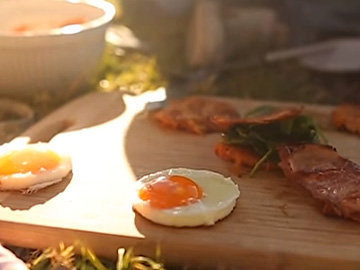 Мастер класс Завтрак с яйцами и беконом 2
