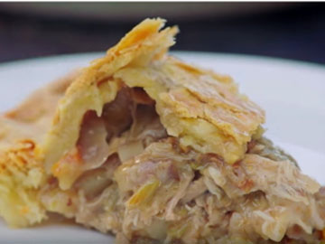 Пирог с мясом и сыром 4
