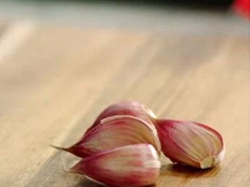 Мастер класс Джейми Оливера Липкие креветки с манго 4