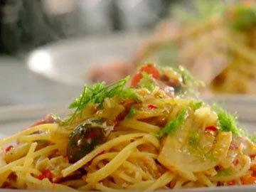 Мастер класс Джейми Оливера Спагетти с крабовым мясом и фенхелем 8