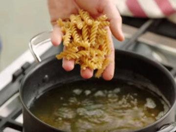 Приготовить макароны