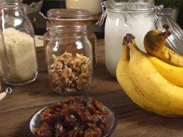 Раздавить вилкой спелый банан
