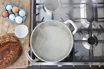 Мастер класс Джейми Оливера Как приготовить яйца пашот 2