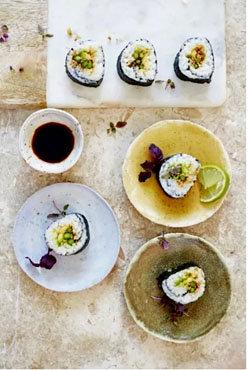 Суши со спаржей