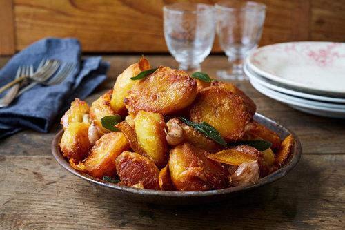 Жареный картофель с шалфеем и апельсином