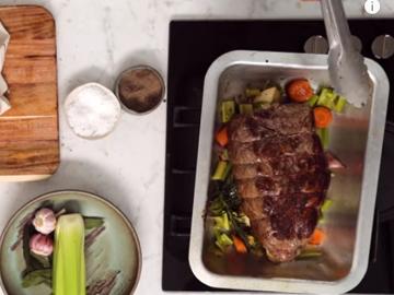 5. Мясо положить на овощи
