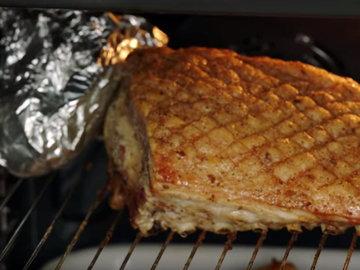 Готовить в духовке со свининой