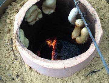 готовить еду в тандыре