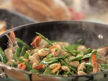 добавить нарезанные овощи