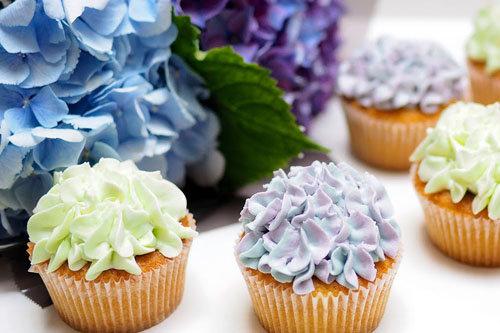 Как украсить капкейки цветами гортензии 1