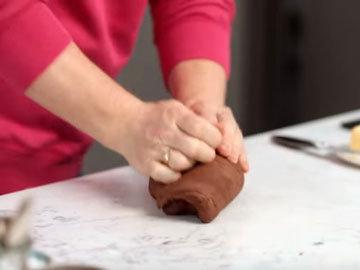 Мастер класс Джейми Оливера Рецепт сдобных булочек Hot Cross. Шаг 4