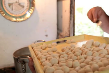 1. Женнаро готовят великолепные ньокки