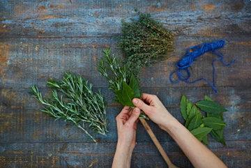 как сделать травяную кисточку 2