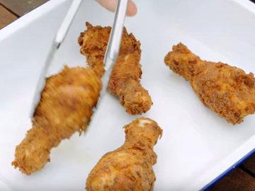Мастер класс Джейми Оливера Как пожарить курицу во фритюре 5