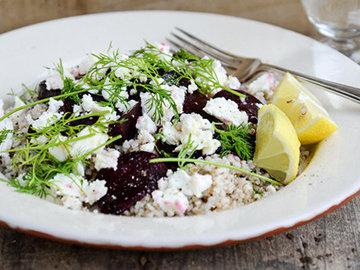 Салат с гречкой и свеклой