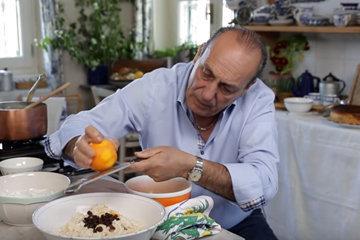 7. Добавить изюм и апельсиновую цедру