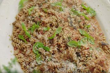 Мастер класс Джейми Оливера Паста Счастье с риккотой и овощами 2