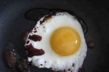 Вариант с жареным яйцом 2