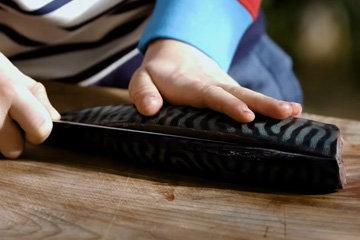 2. разрезать рыбу со стороны спинки
