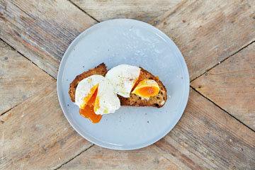 Как приготовить идеальное яйцо-пашот