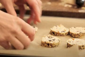 Как приготовить овсяное печенье с изюмом 2