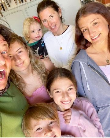 родители пятерых детей