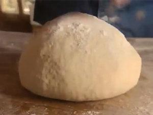 Как вымесить тесто для пиццы
